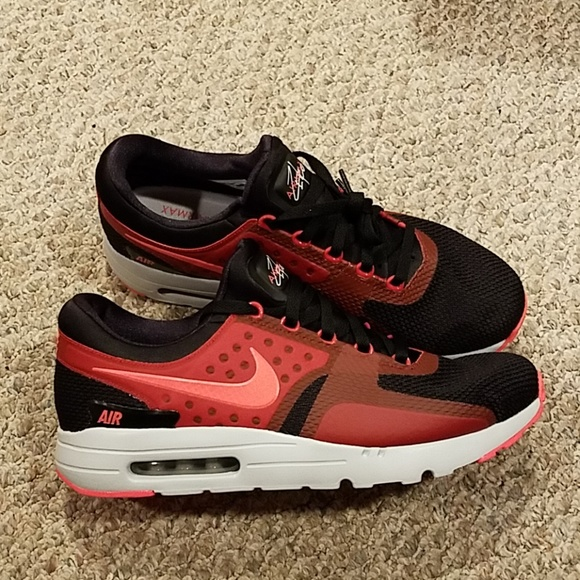 NIKE AIR MAX ZERO ESSENTIAL e93f08ac4